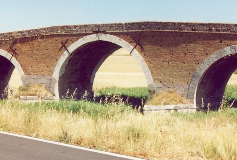 IL PONTE ROMANO (2)