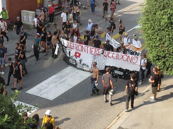 Manifestazione per la difesa  dell'autogestione di spazi per la creatività artistica e sociale, ed eventi culturali.